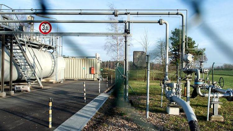 Ein Zaun schützt die Erdgasförderanlage