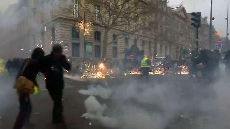 ParisStreikKrawall.jpg