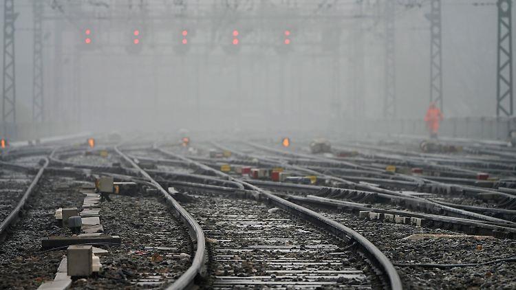 Frankreichs Eisenbahner drohen mit Streiks über Weihnachten - Brennpunkte