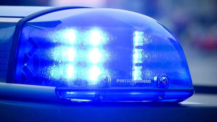 Das Blaulicht an einem Polizeiauto. Foto: Patrick Pleul/dpa-Zentralbild/dpa/Symbolbild
