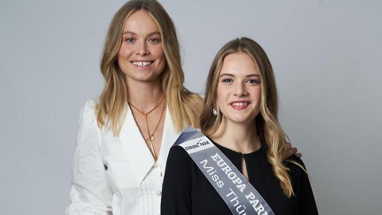 Die neue Miss Thüringen, Greta Barthel (r), neben Nadine Berneis, Miss Germany 2019. Foto: Tobias Dick/MGC-Miss Germany Corporation/dpa