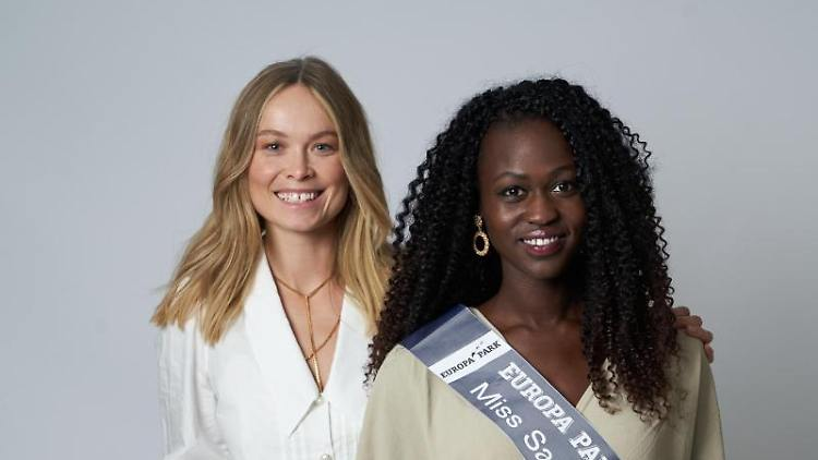Itanajama Akeri (r), die neue Miss Saarland, neben Nadine Berneis, Miss Germany 2019. Foto: Tobias Dick/MGC-Miss Germany Corporation/dpa