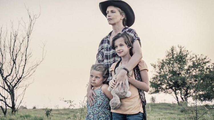 Katerina Lipovska, Nina Hoss und Adelia Constance Ocleppo in einer Szene aus dem Film