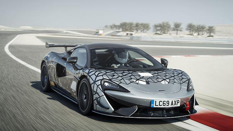 Large-11627-McLaren-620R-__1_.jpg