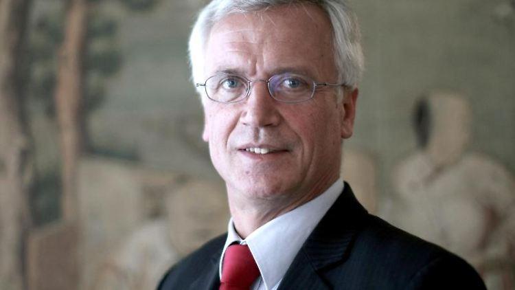 Eckehart Rotter,Sprecher des VDA, nimmt an einer Pressekonferenz teil. Foto: Fredrik von Erichsen/dpa/Archivbild