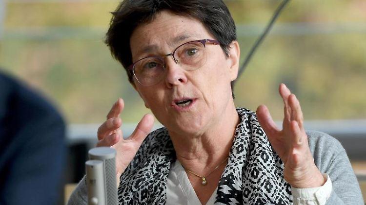 Monika Heinold, Finanzministerin von Schleswig-Holstein, spricht während der Landtagssitzung. Foto: Carsten Rehder/dpa/Archivbild