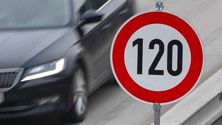 Linksfraktion wirbt für Tempo 120 auf hessischen Autobahnen. Foto: Patrick Pleul/zb/dpa/Archivbild