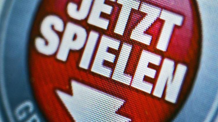 Im Internet wird für ein Online-Glücksspiel geworben. Foto: Arno Burgi/zb/dpa/Symbolbild