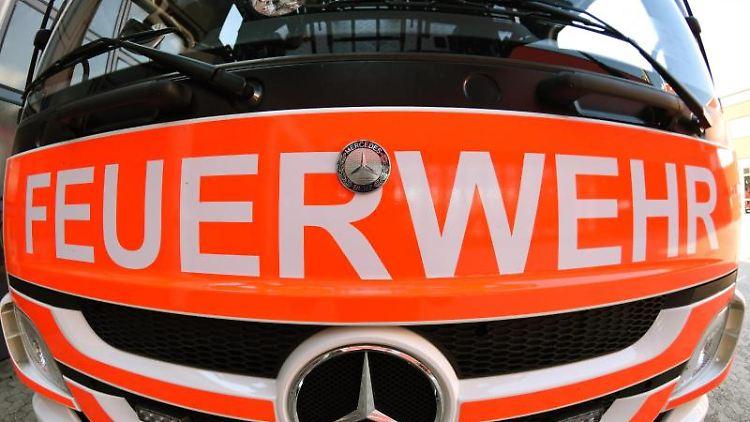 Frontansicht eines Mercedes-Löschfahrzeugs. Foto: Patrick Seeger/dpa/Archivbild