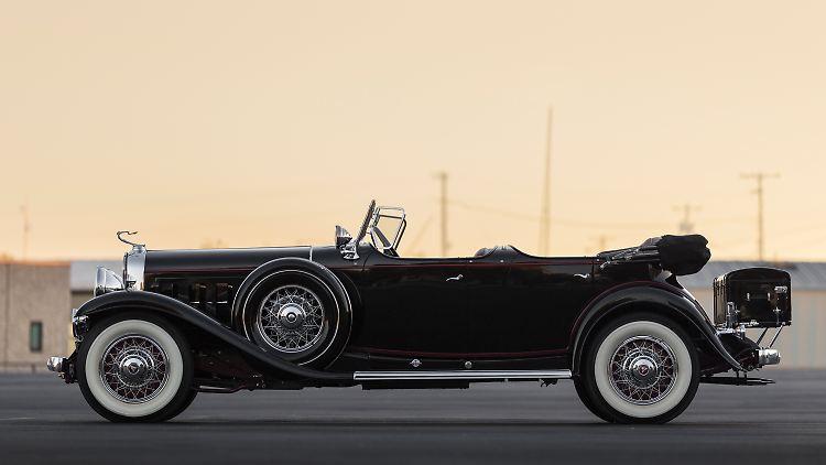 1930-Cadillac-V-16-Sport-Phaeton-by-Fleetwood_4.jpg