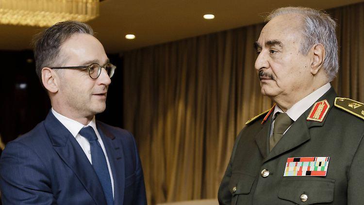 Stellvertreterkrieg in Libyen: Wer kämpft gegen wen - und warum