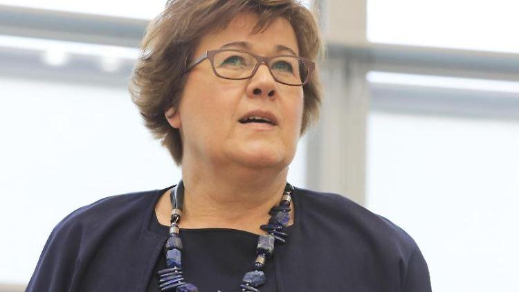 Petra Grimm-Benne (SPD), Ministerin für Arbeit, Soziales und Integration des Landes Sachsen-Anhalt. Foto: Peter Gercke/zb/dpa/Archivbild
