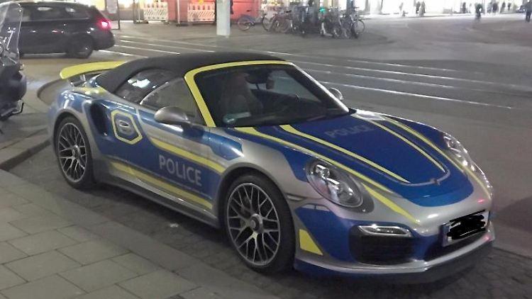 Ein Porsche mit der Beschriftung
