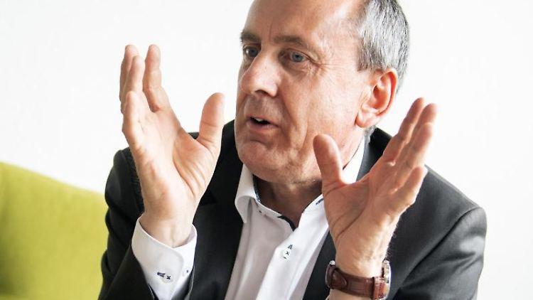 Konrad Wolf (SPD), Wissenschaftsminister von Rheinland-Pfalz, aufgenommen bei einem Redaktionsgespräch bei der Deutschen Presse-Agentur. (zu dpa