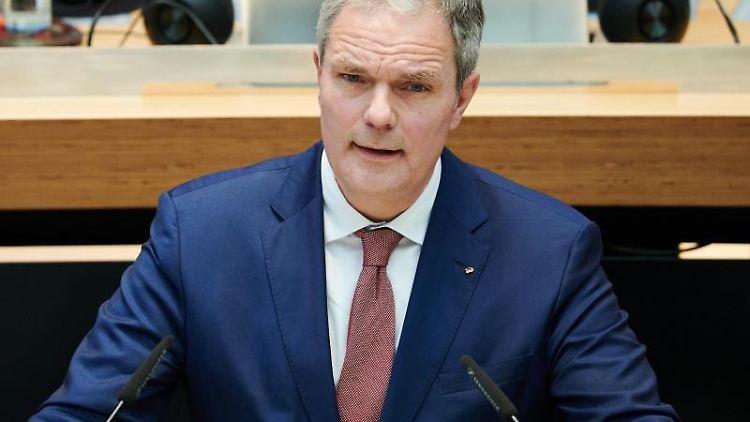 Burkard Dregger (CDU), Parteivorsitzender der CDU in Berlin, spricht im Abgeordnetenhaus. Foto: Annette Riedl/dpa