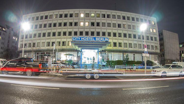 Ein Prachtbau ist es nicht gerade das umstrittene City Hostel auf dem Boden der nordkoreanischen Botschaft in Berlin