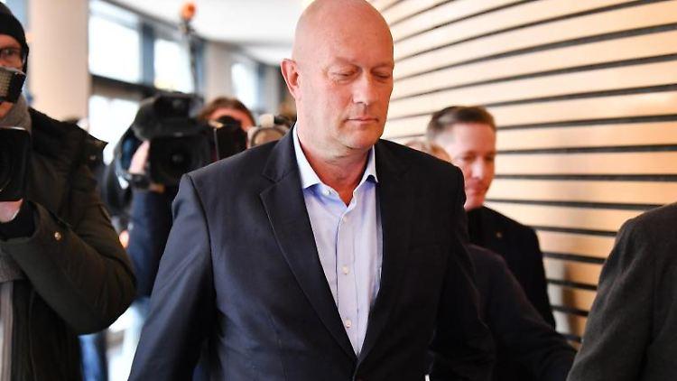 Thomas Kemmerich (FDP) kommt in den Thüringer Landtag. Foto: Martin Schutt/dpa-Zentralbild/dpa