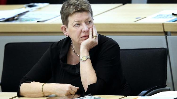 Claudia Dalbert (Bündnis 90/Die Grünen) sitzt im Landtag. Foto: Ronny Hartmann/dpa/Archivbild