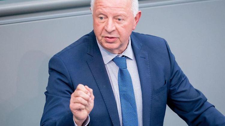 Eckhardt Rehberg, CDU-Bundestagsabgeordneter, spricht im Bundestag. Foto: Kay Nietfeld/dpa/Archivbild