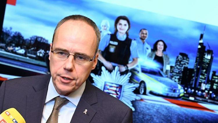 Peter Beuth (CDU), Innenminister des Landes Hessen. Foto: Arne Dedert/dpa