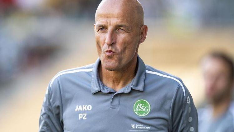 St. Gallens Trainer Peter Zeidler. Foto: David Inderlied/dpa