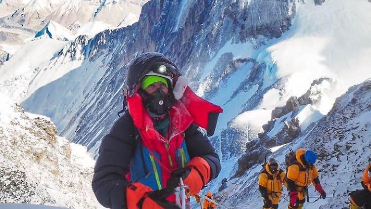 In Reiss Couloir_ Lhotse summit 8.516m.jpg