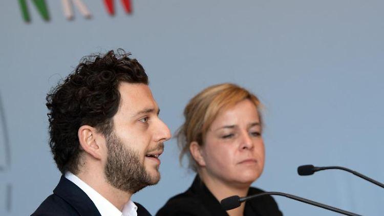 Felix Banaszak und Mona Neubaur. Foto: Federico Gambarini/dpa/Archivbild