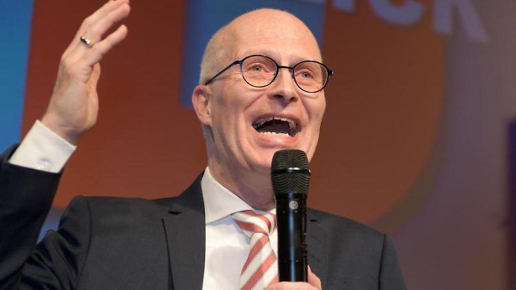 Der SPD-Spitzenkandidat und Erste Bürgermeister in Hamburg, Peter Tschentscher. Foto: Axel Heimken/dpa