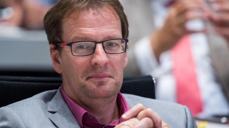 Der CDU-Landtagsabgeordnete Torsten Renz sitzt in der Landtagssitzung. Foto: Jens Büttner/zb/dpa/Archivbild