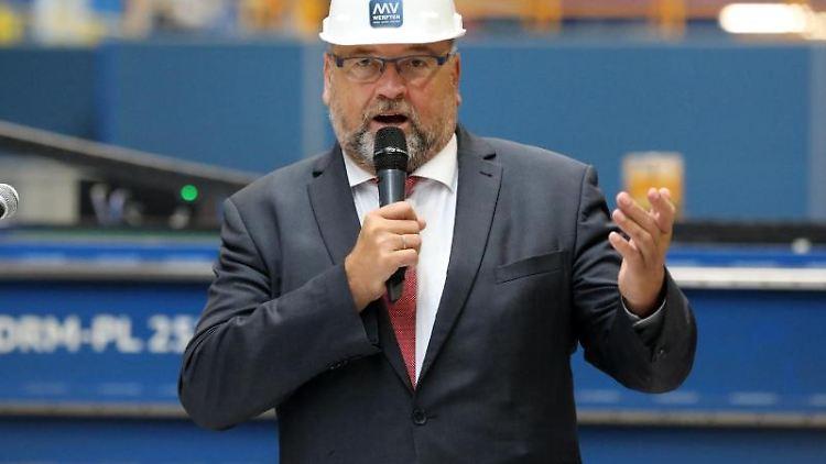 Mecklenburg-Vorpommerns Wirtschaftsminister Harry Glawe (CDU). Foto: Bernd Wüstneck/dpa-Zentralbild/dpa/Archivbild