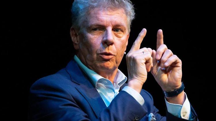 Dieter Reiter (SPD), Oberbürgermeister von München, nimmt an der Podiumsdiskussion