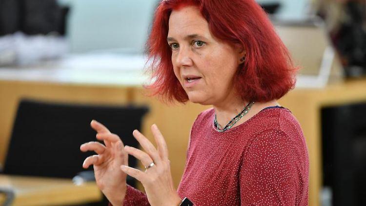 Astrid Rothe-Beinlich, Abgeordnete von Bündnis90/Die Grünen, spricht während der Landtagssitzung. Foto: Martin Schutt/dpa-Zentralbild/dpa/Archivbild