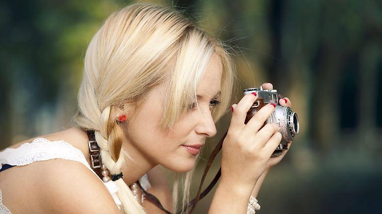Analoge Kamera Frau.jpg