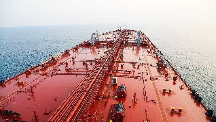 Diese Episode geht den Konstruktionsgeheimnissen eines der weltweit größten Öltankers der Welt auf den Grund. Der