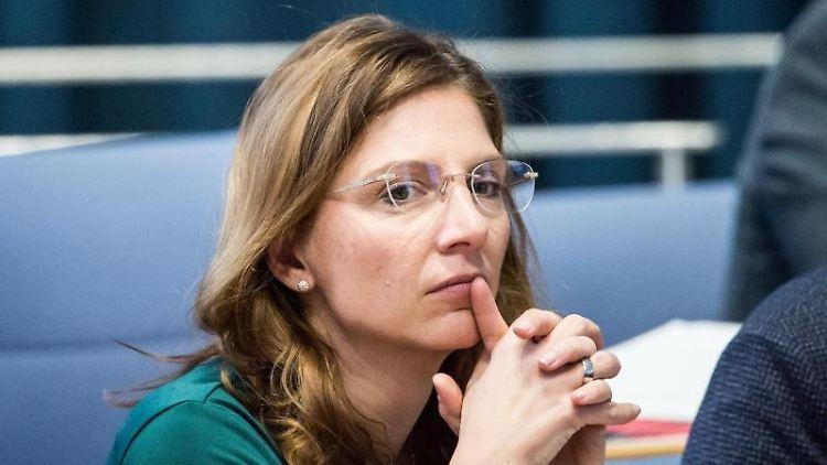 Sabine Bätzing-Lichtenthäler (SPD) sitzt im Landtag. Foto: Andreas Arnold/dpa/Archivbild