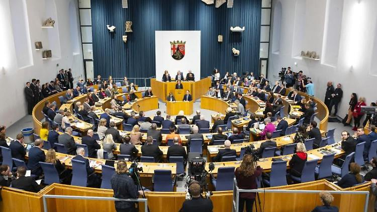 Der rheinland-pfälzische Landtag während einer Sitzung. Foto: Andreas Arnold/dpa/Symbolbild