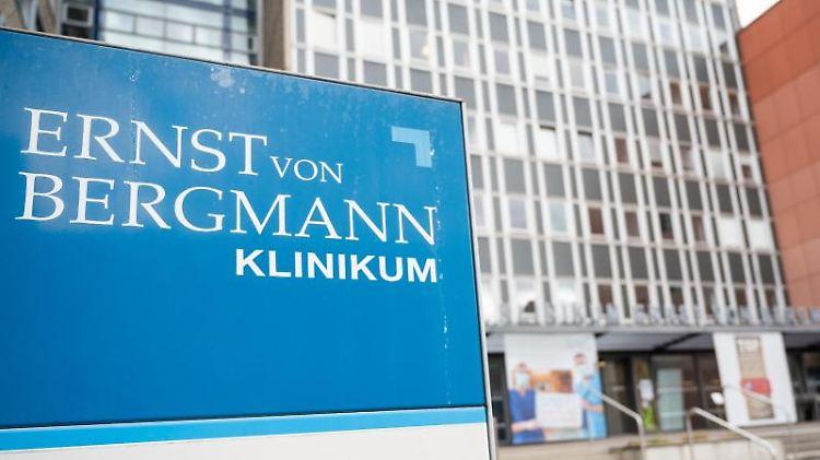 Das Ernst-von-Bergmann-Klinikum. Foto: Christophe Gateau/dpa