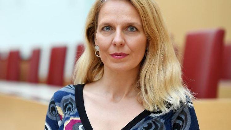Die stellvertretende FDP-Fraktionsvorsitzende in Bayern, Julika Sandt (FDP). Foto: Tobias Hase/dpa/Archivbild