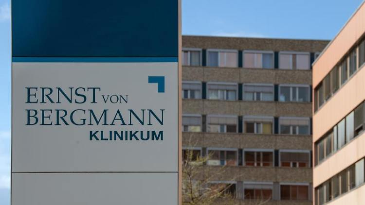 Das Klinikum Ernst von Bergmann in Potsdam. Foto: Soeren Stache/dpa-Zentralbild/dpa/Archivbild