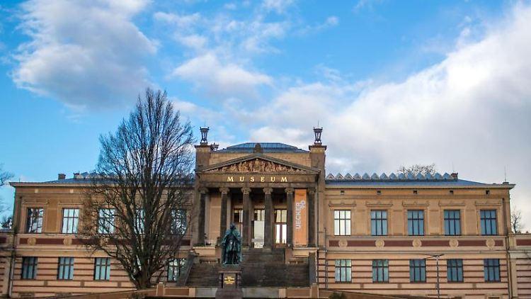 Blick auf das Große Haus des Staatlichen Museums in Schwerin. Foto: Jens Büttner/dpa-Zentralbild/ZB/Archivbild