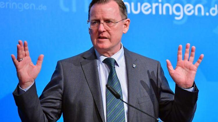 Bodo Ramelow (Die Linke) bei einer Pressekonferenz. Foto: Martin Schutt/dpa-Zentralbild/dpa/Archivbild