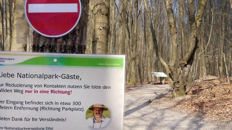 Ein Hinweisschild am Naturerkundungspfad