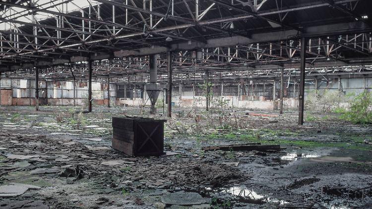 Eine verfallene Fabrik in den Midlands.