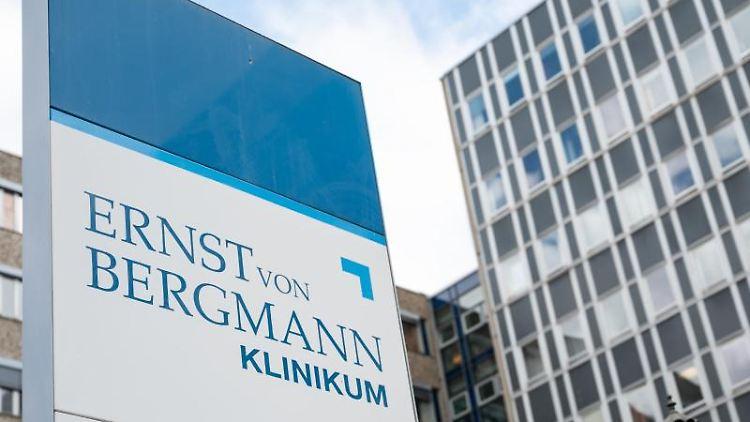 Das Ernst-von-Bergmann-Klinikum. Foto: Christophe Gateau/dpa/Symbolbild