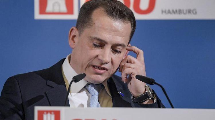 Roland Heintze (CDU), Landesvorsitzender seiner Partei, spricht während des Landesausschuss. Foto: Axel Heimken/dpa/archivbild