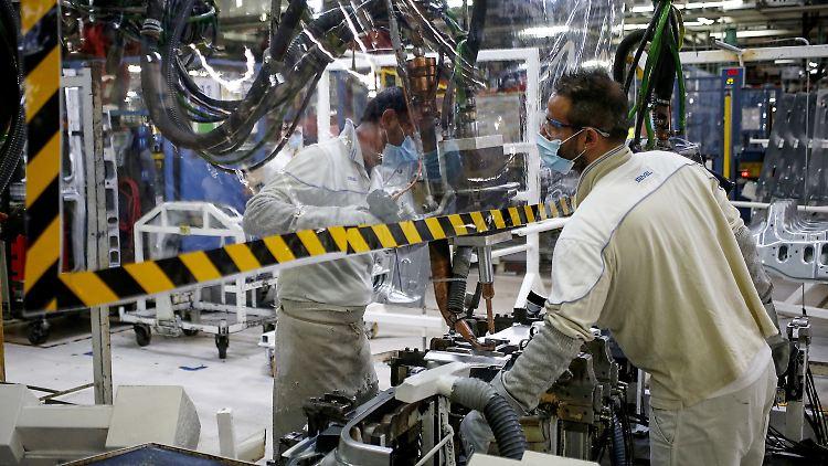 Lockerungen Coronavirus Fabrik.jpg