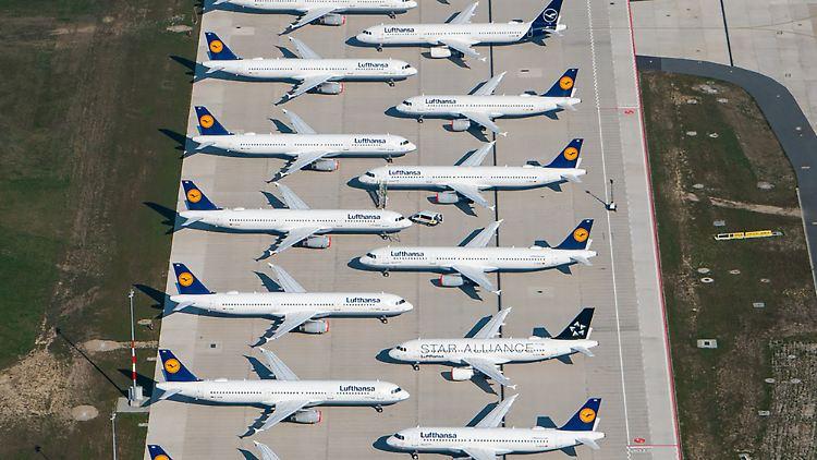 Lufthansa-Maschinen bleiben auf dem Boden. Von 760 Maschinen sind nur rund 60 im Einsatz.