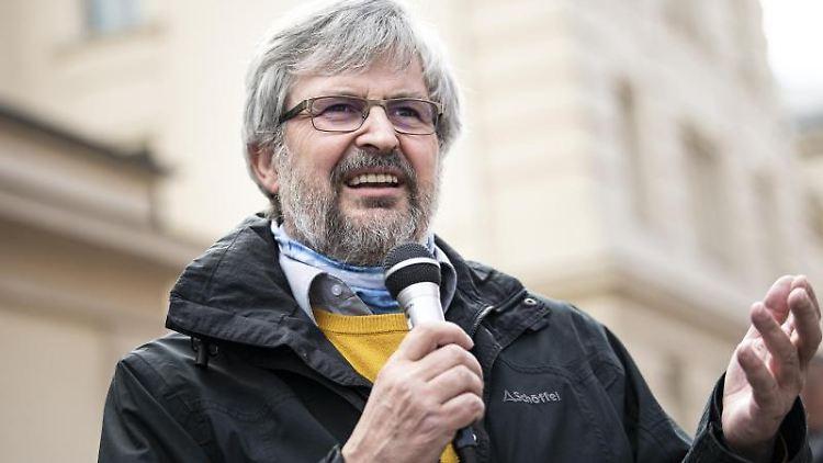 Axel Vogel (Bündnis 90/Die Grünen)spricht. Foto: Fabian Sommer/dpa/Archivbild