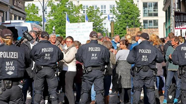 In Rostock stoppt die Polizei einen