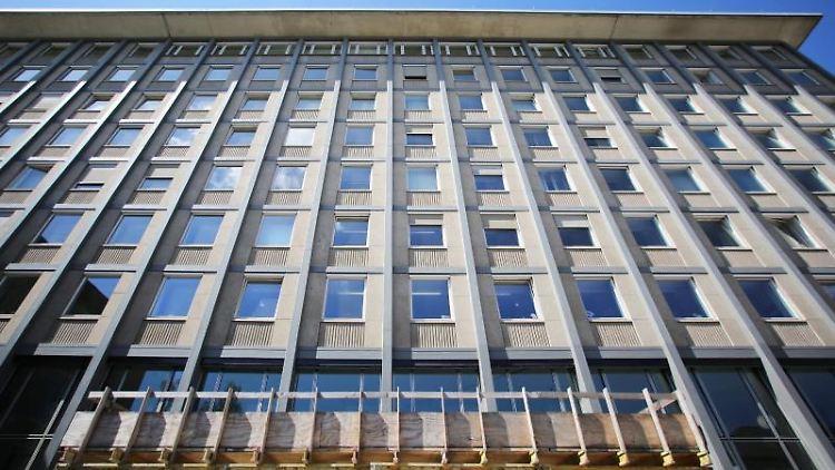 Die Fassade des Landgerichts in der Koblenzer Innenstadt. Foto: Fredrik von Erichsen/dpa/Archivbild